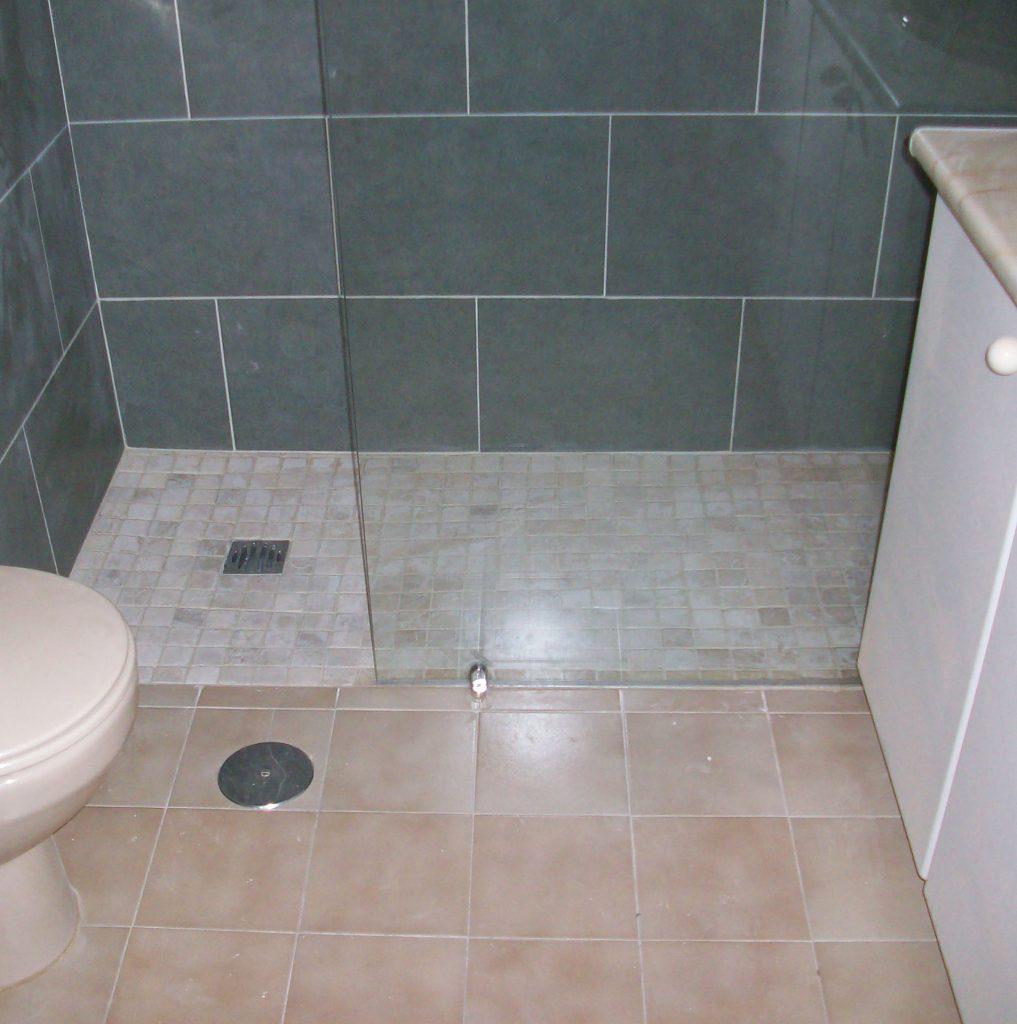 Platos de ducha de obra piedra natural resina for Platos de ducha madrid